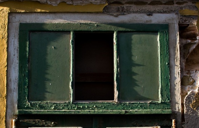 house-window-wooden-old.jpg